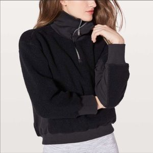 lululemon Stand Out Sherpa 1/2 Zip black